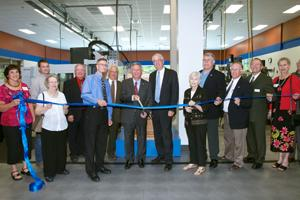 Governor, industry representatives help SCC dedicate machining facility