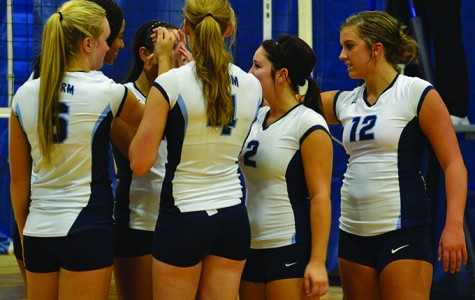Storm Volleyball Sweeps Tourney