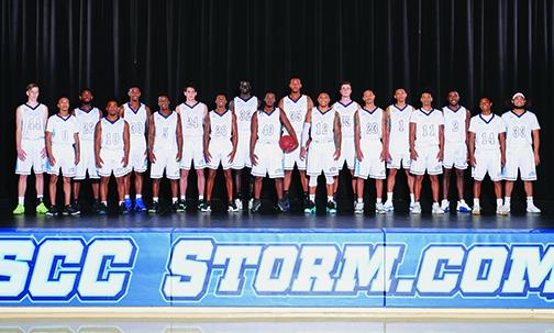The 2017-2018 Storm Basketball team.